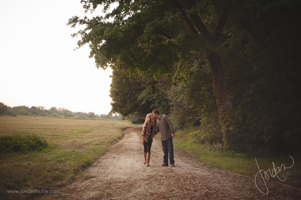 engagement photos in field nc-12.jpg