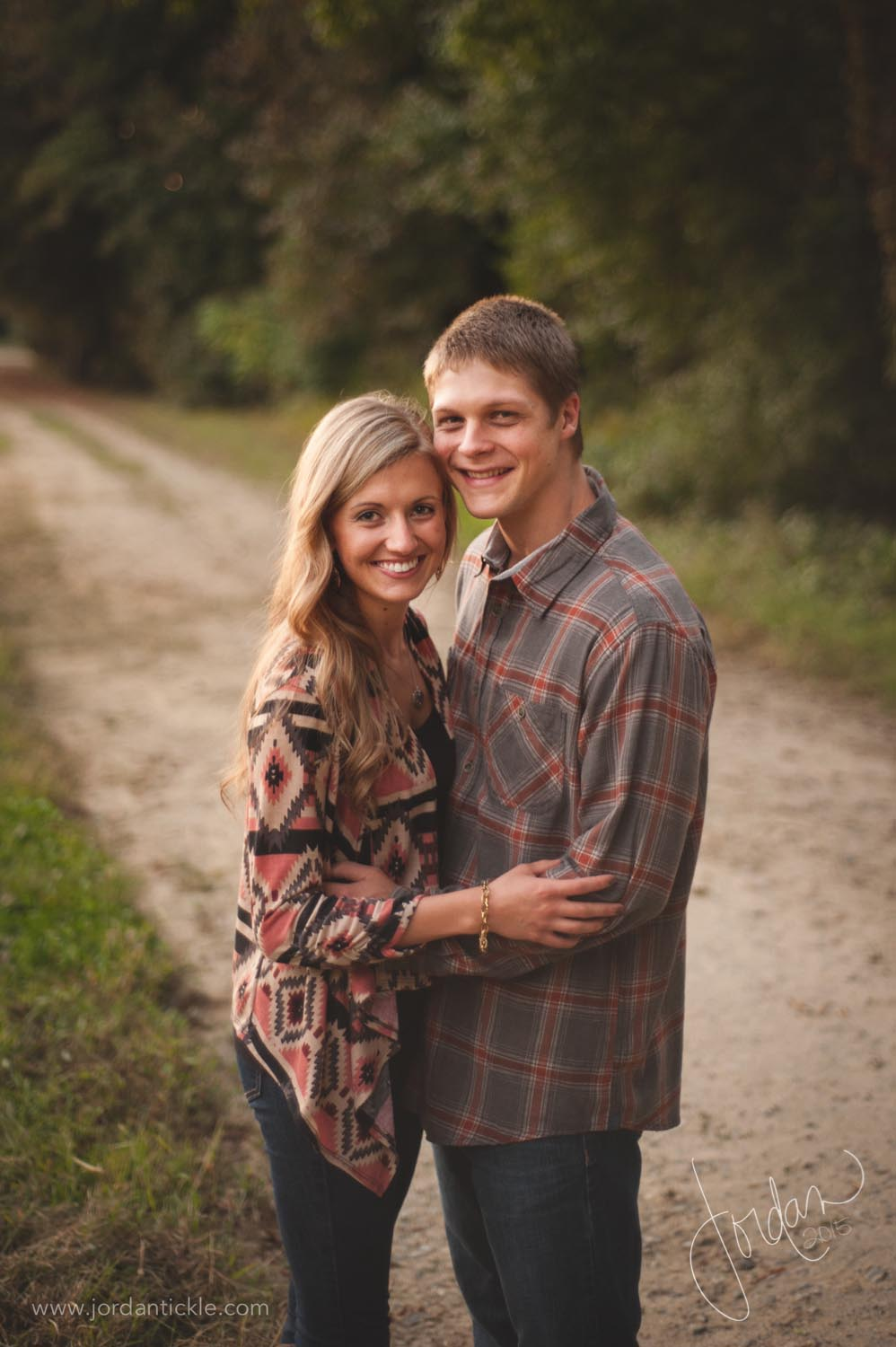 engagement photos in field nc-13.jpg