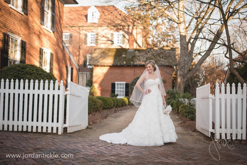 old salem nc bridal photos -9.jpg