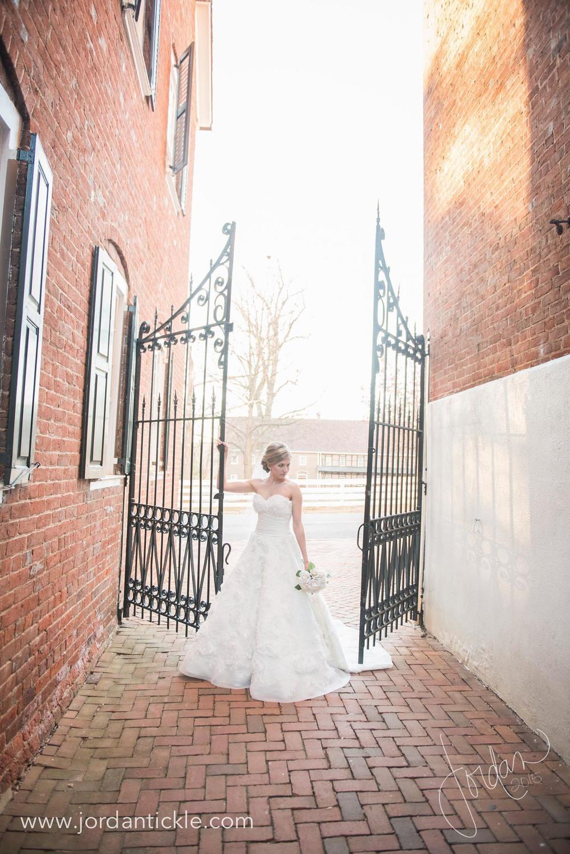 old salem nc bridal photos -14.jpg