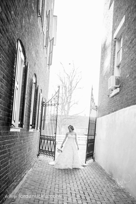 old salem nc bridal photos -16.jpg