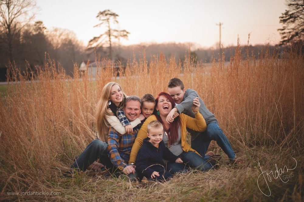 family photos in field nc -11.jpg