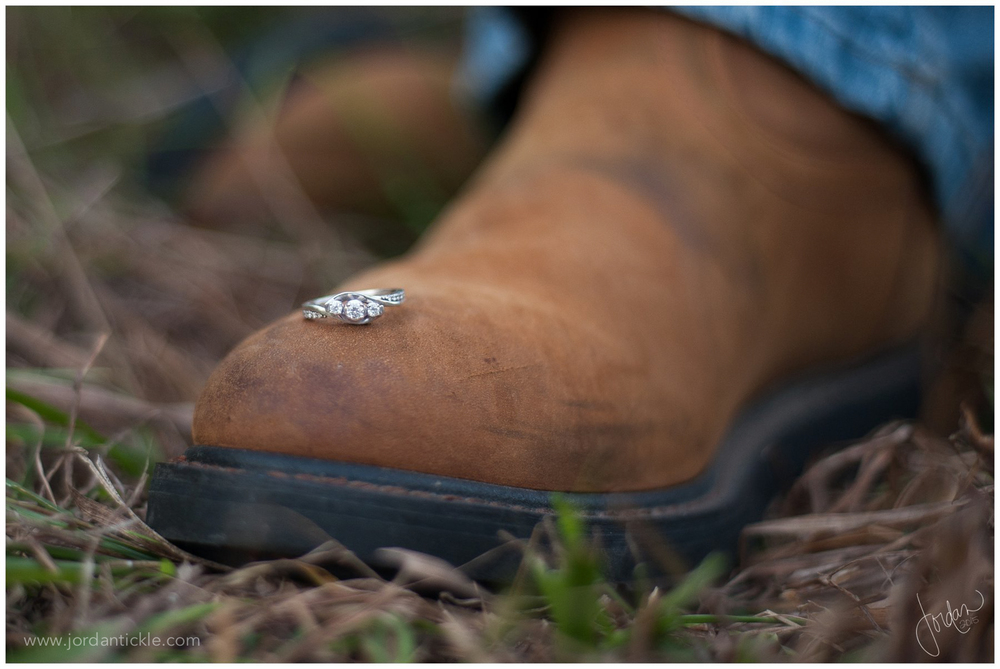 rustic_summerfield_engagement_photo_session_jtp_0009.jpg