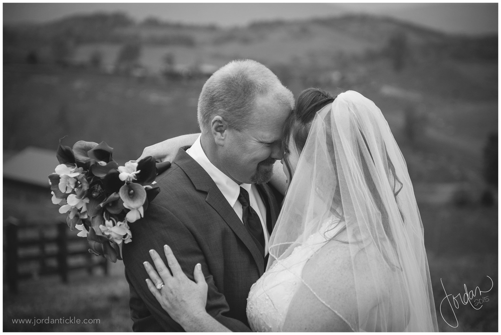 barns_at_chip_ridge_wedding_photography_abingdon_va-40.jpg