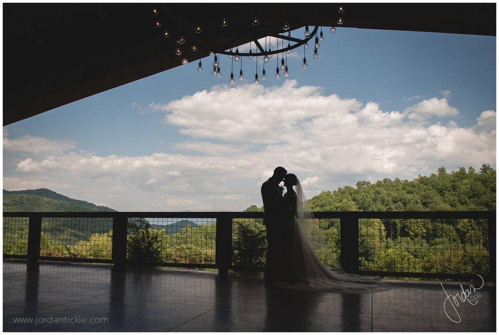 vineyards_at_bettys_creek_wedding_classic_jordan_tickle_photography-12.jpg