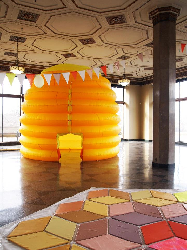 Festooning the Inflatable Beehive