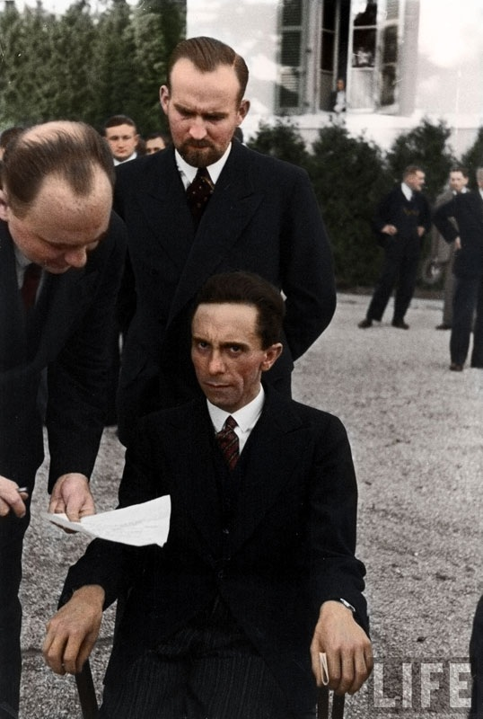 Colorized-Historical-Photos-08.jpg