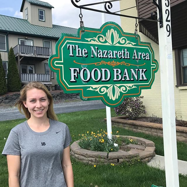 Yesterday we dropped off 3 full carts of food at The Nazareth Food Bank! They were so happy to recieve this donation. Thank you to everyone who came to our 4Hunger Clinic!