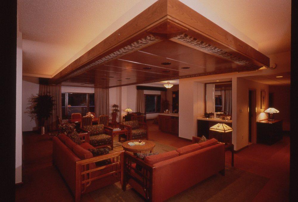 Vanderbilt Suite