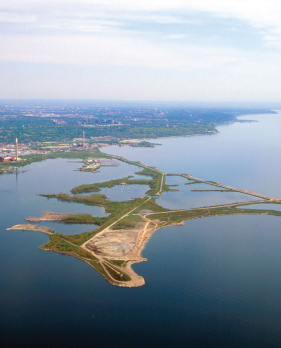 TOMMY THOMPSON PARK Master Plan / Environmental Analysis / Landscape Design Toronto, ON, Canada