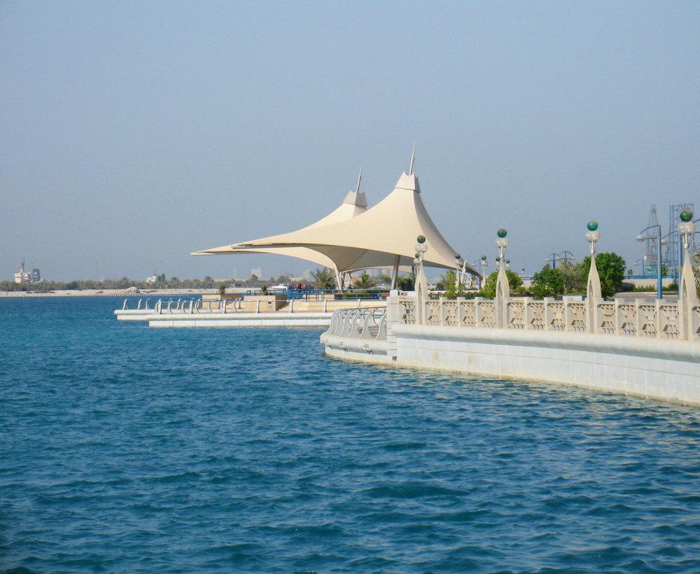 Abu Dhabi Corniche Waterfront 02-01.jpg