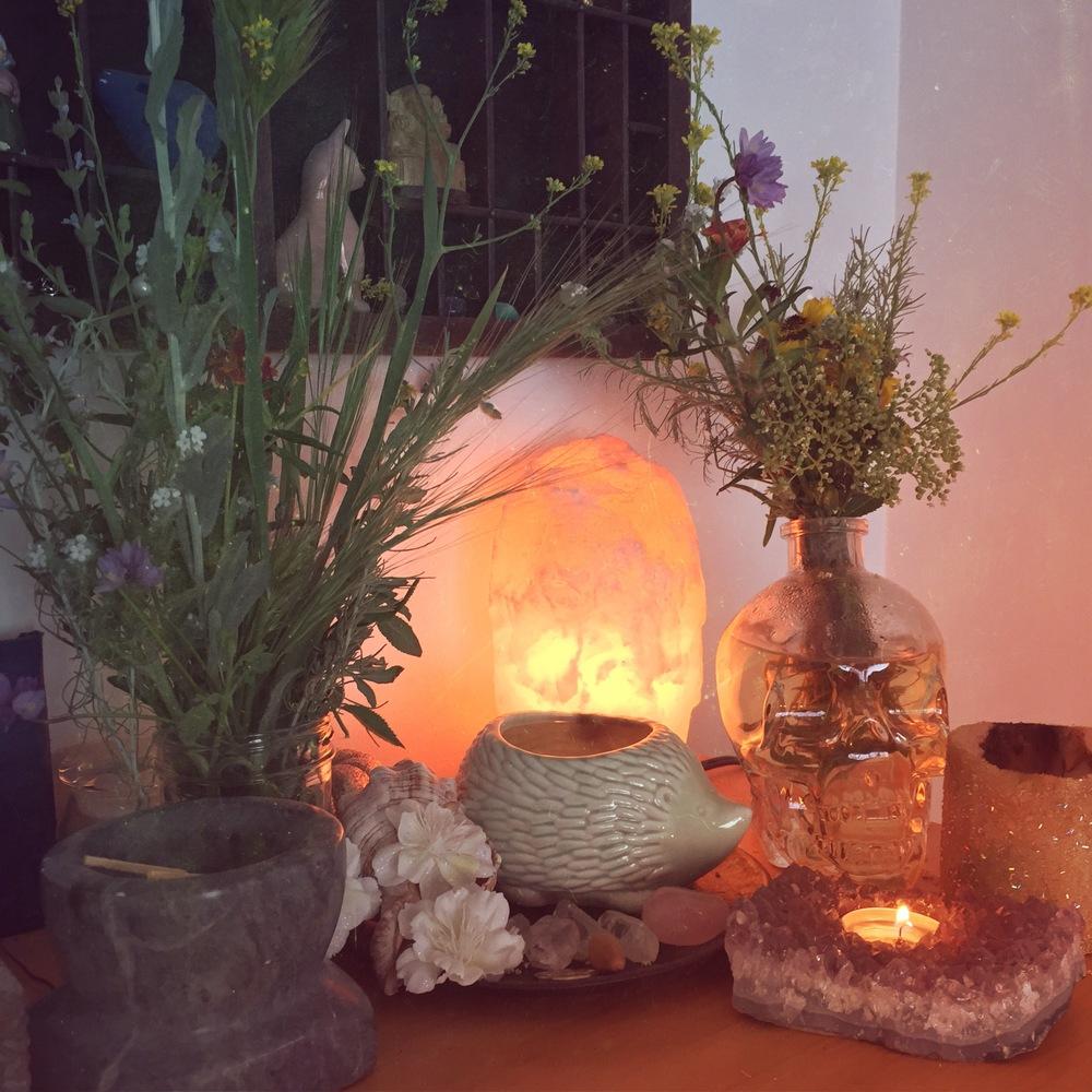 ostara-pagan-altar