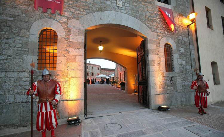 castel-monastero-tuscany11.jpg