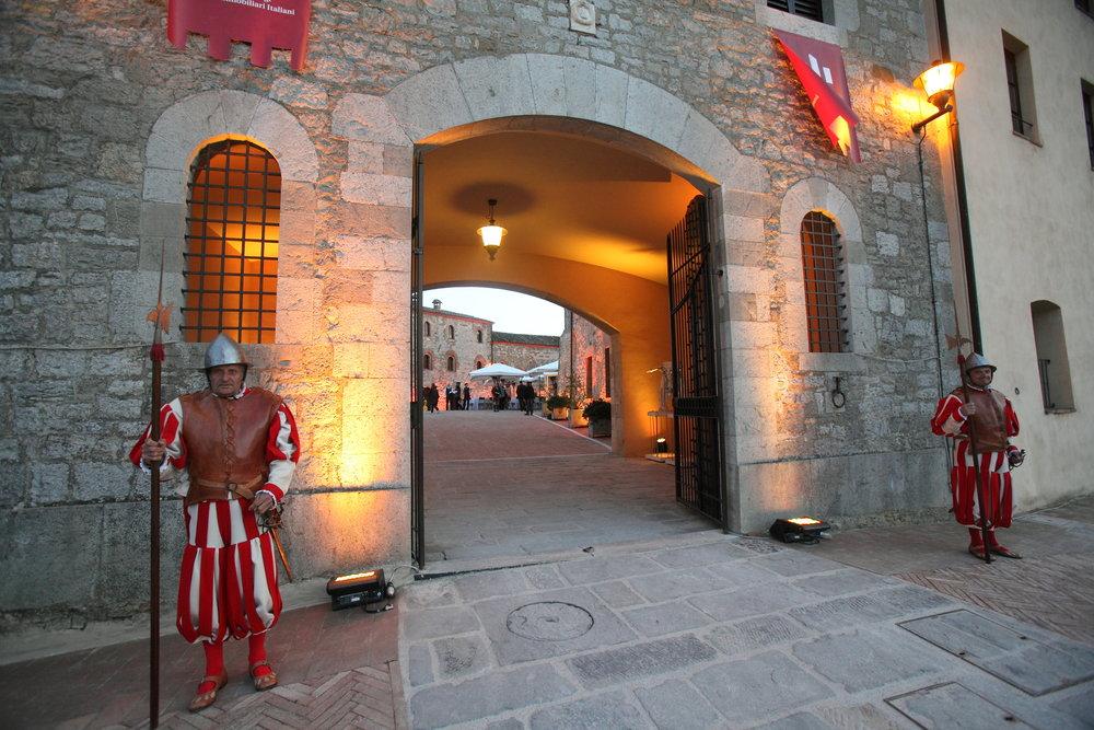 Castel Monastero Soldiers.JPG