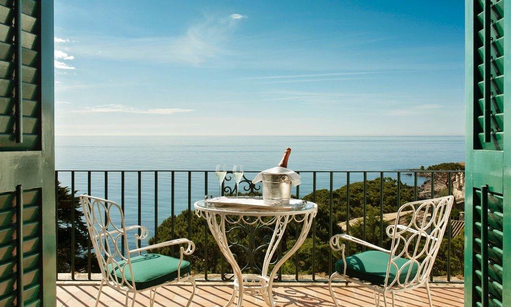 La Gavina Terrace.jpg
