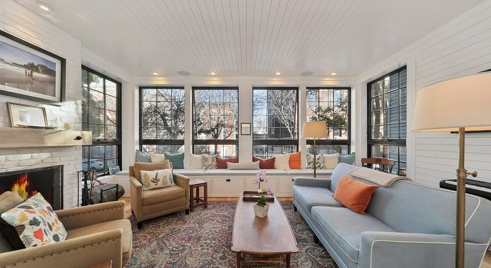 LINCOLN PARK HOME -