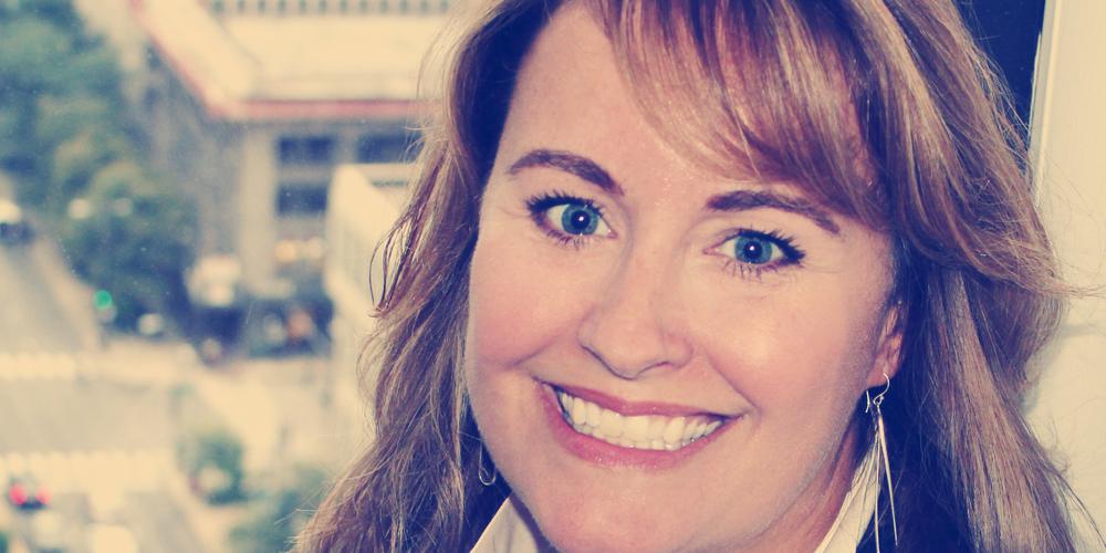 LauraMoser Headshot_MASTER.jpg