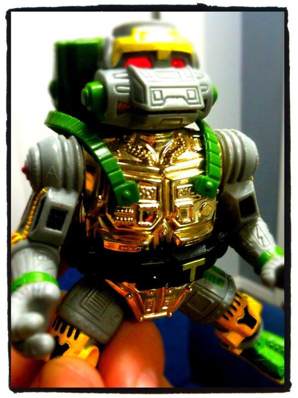 Metalhead! The classic, robotic bad ass ninja turtle smashing machine! So stoked to finally have him back! Saw him at the comic book store where I also bought Kaylah her first ever comic book. Had to buy it immediately, and for only 3.99. So worth it!