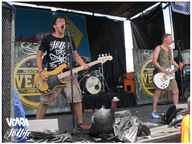 Warped Tour 2011! HOTLIFE Family Take over! VEARA was easily one of the best bands on the tour. Make sure to check em out when you get there! Amazing musicians and people. HL Crew. www.livingthehotlife.com