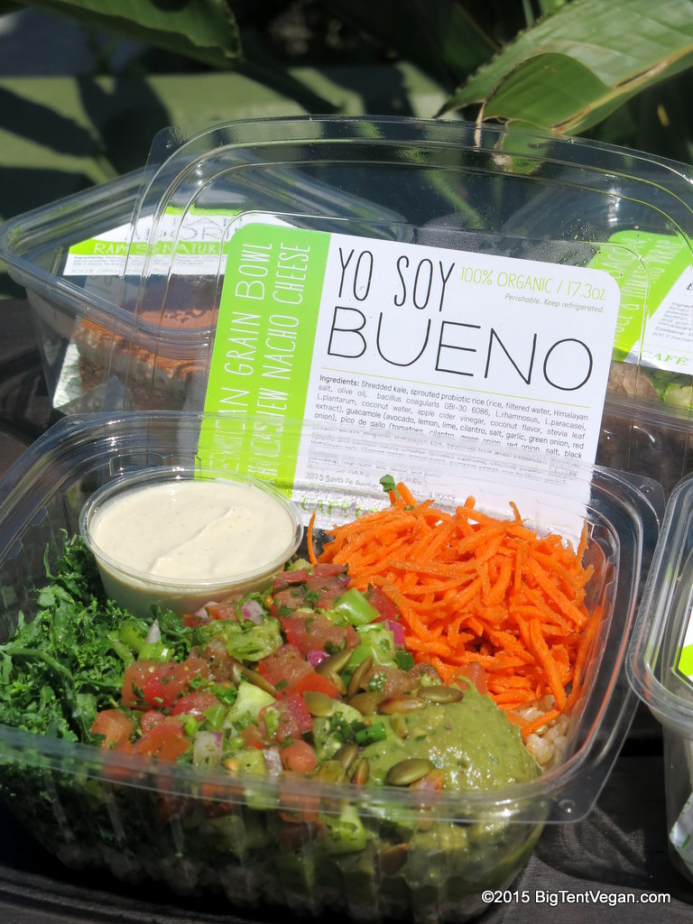 "Vegan Mexican Grain Bowl with Cashew Nacho Cheese: ""Yo Soy Bueno"""