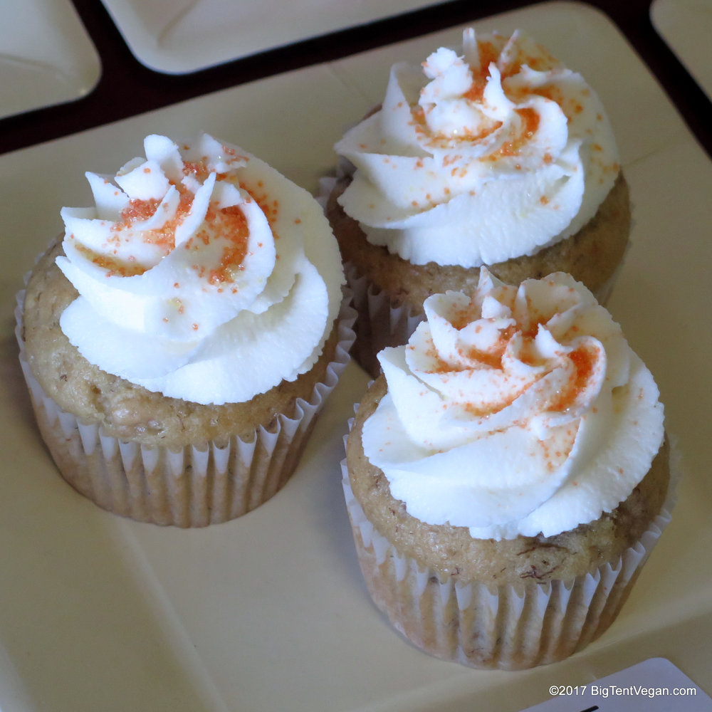 3rd Place: Mandi Barstow of  Positively Frosted  -- Banana BOO-urbon Maple Cupcakes