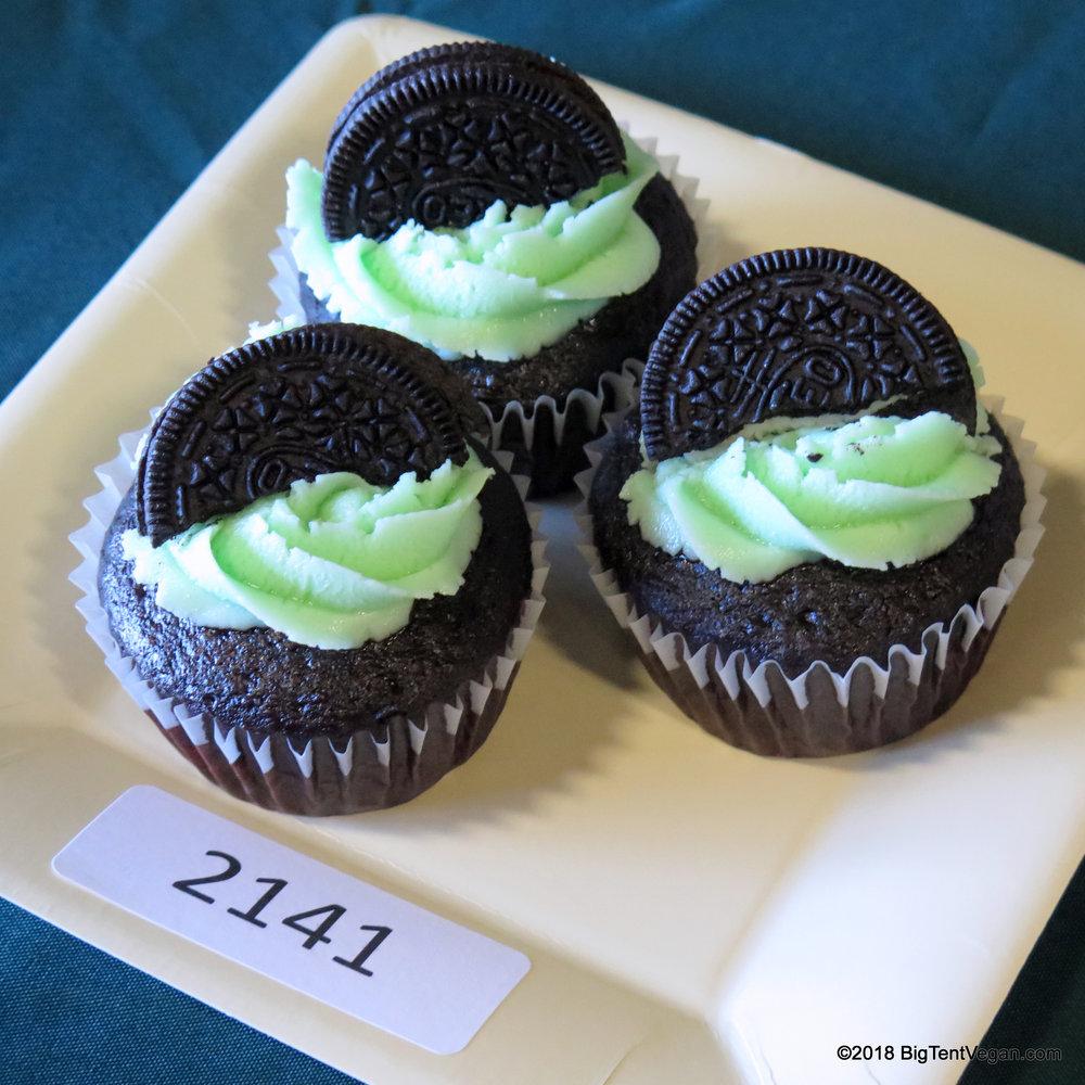 3rd PLACE: Yatziria Higuera (   Dulcet Cakery   )     Mint Chocolate Cupcakes