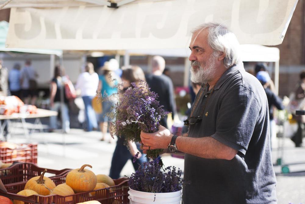 Maison.Giraud.Farmers.Market.05
