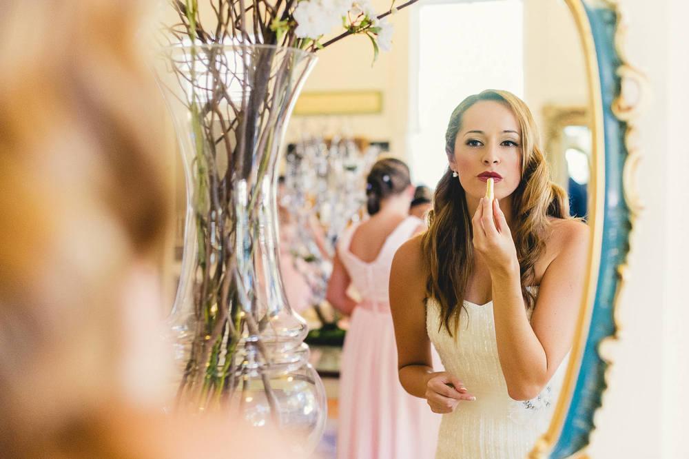 bride-getting-ready-green-gables