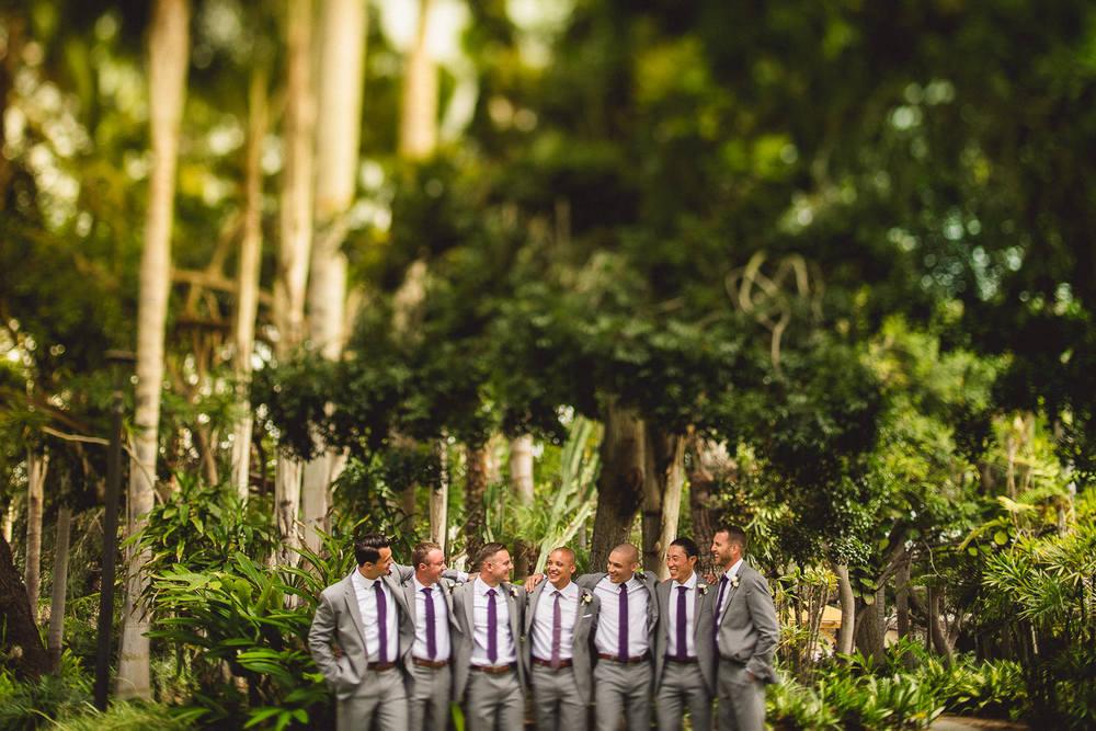 paradise-point-creative-groomsmen-wedding-photo