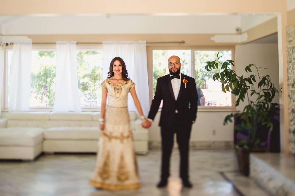 tilt-shift-bride-groom-portrait-backyard-wedding