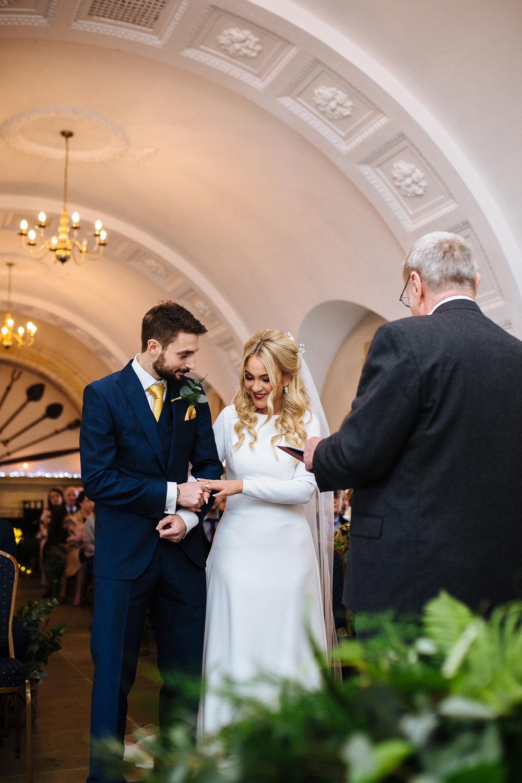 BARNSDALE LODGE WINTER WEDDING 15.JPG