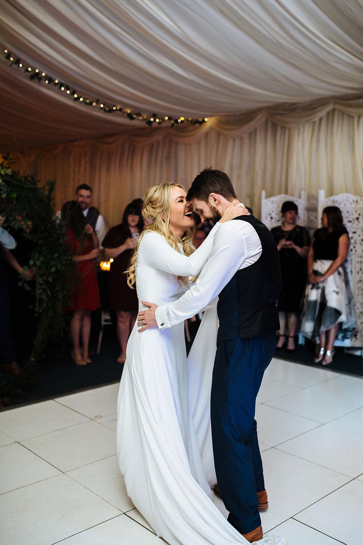 BARNSDALE LODGE WINTER WEDDING-91.jpg