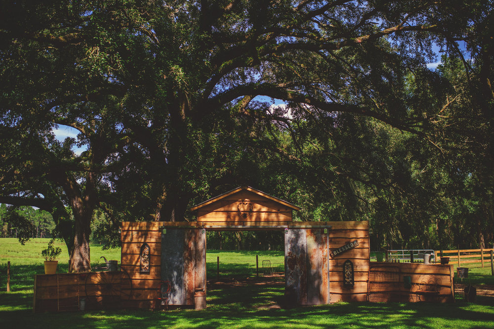 The Hitching Post Barn by Jason Mize Photography