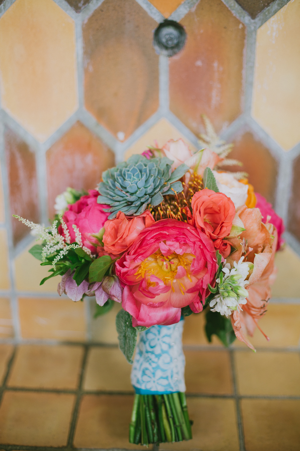 Florals by 2Birds, via Oh Hello Events