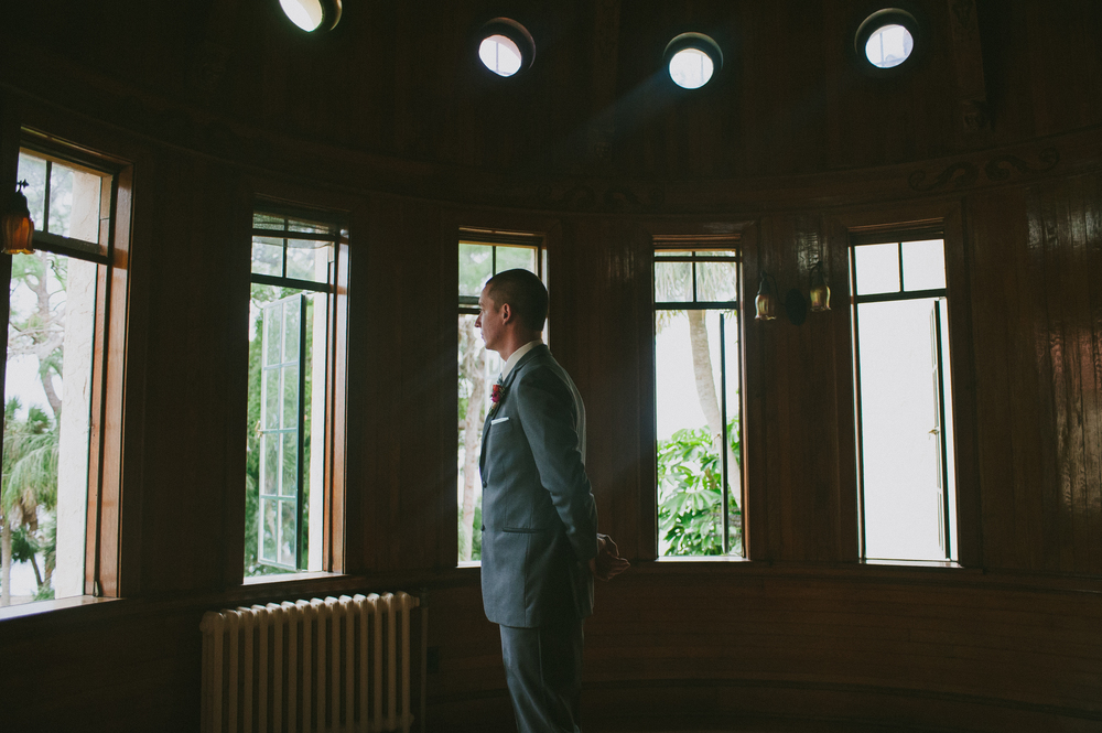 First Look Via Oh Hello Events, Jessica Charles Photography