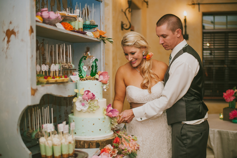 Powel Crosley Estate Wedding, Oh Hello Events, Jessica Charles Photography, Hands on Sweets
