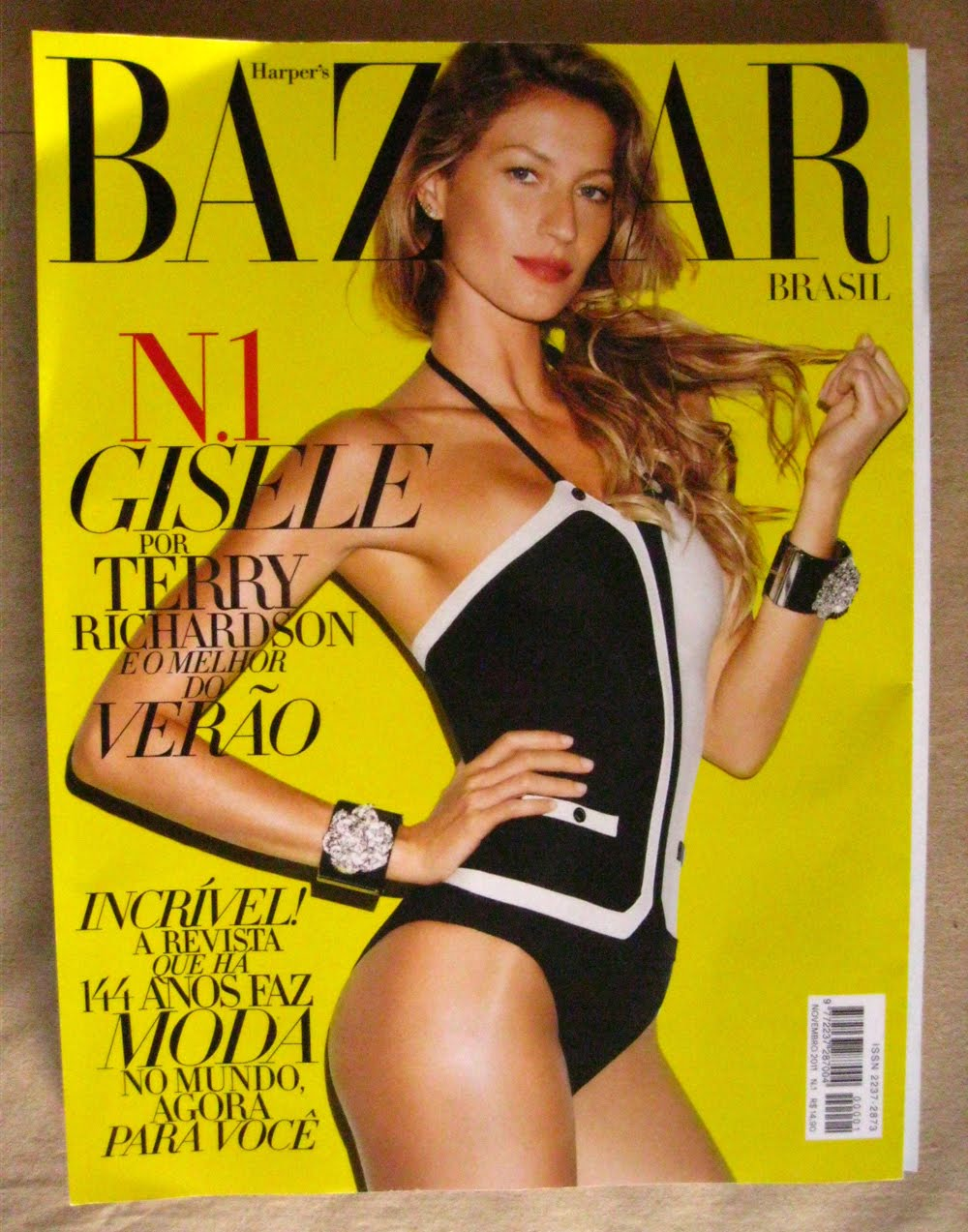 capa Harpers Bazaar-nov11.jpg