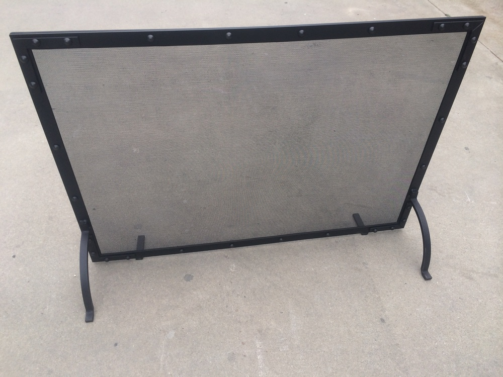Fire screen and grates2.JPG