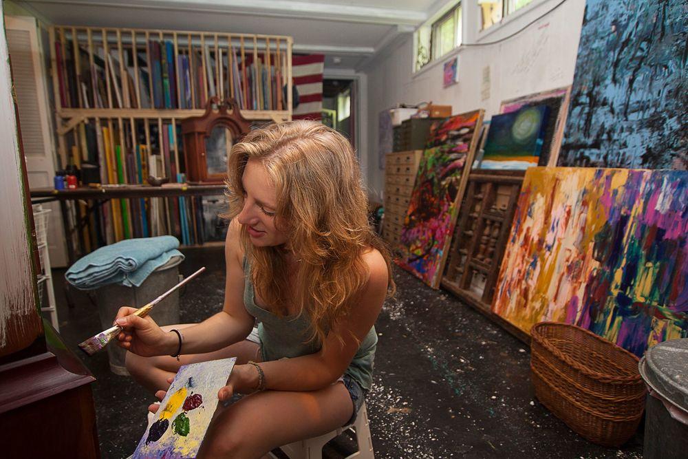 Erika Rachel in Studio 2015.jpg