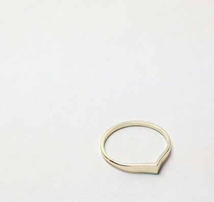 10K yellow gold wedding band for Sophie and Julien.