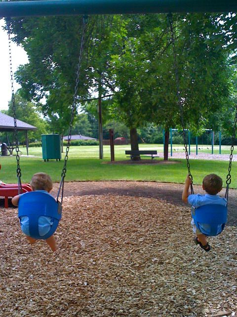 boys-swinging