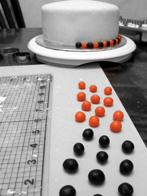 balls go marching_bw