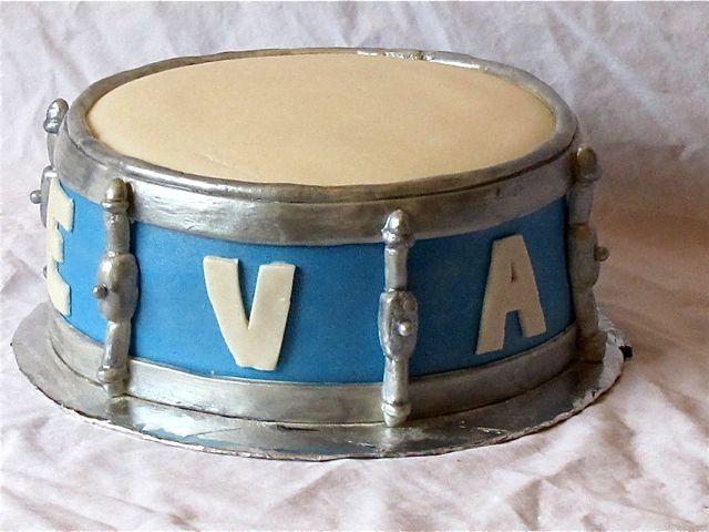 drum cake1
