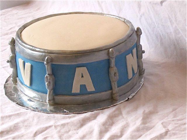 drum cake3