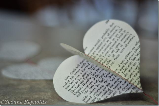 13_Feb_Valentine book garland_003_edit