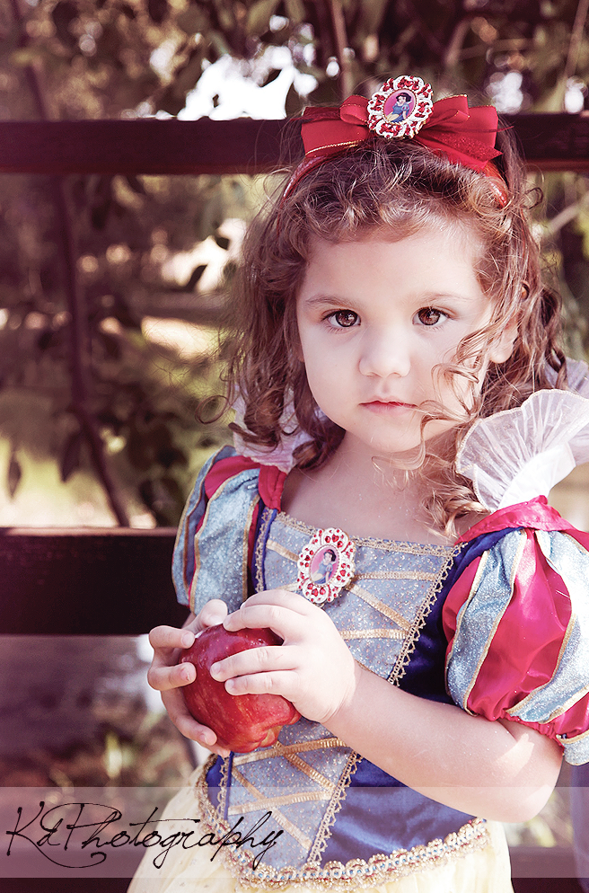 theguywholovesdisney: AWWWWWe<3 disneythis-disneythat: I'm taking pictures of her dressed as Cinderella next week. :)