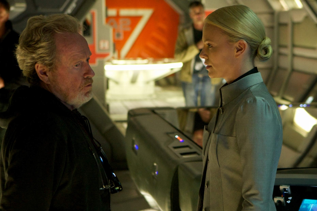 fuckyeahdirectors: Director Ridley Scott and actress Charlize Theron, behind the scenes on the set of Prometheus