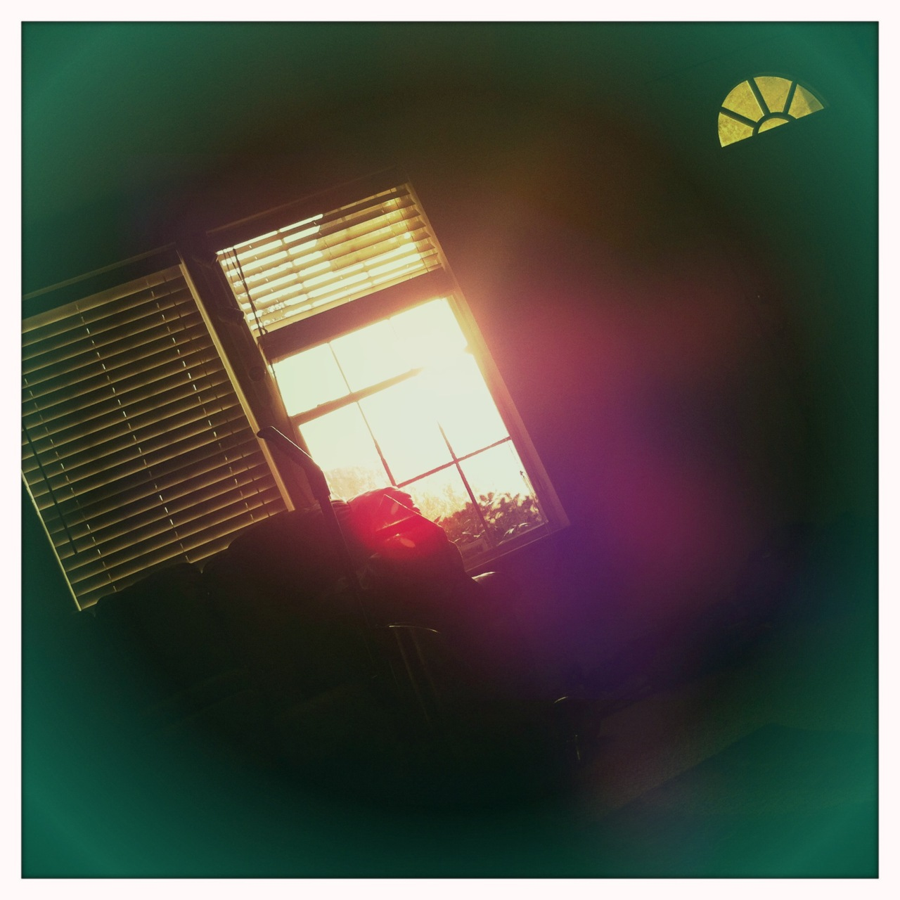Sun coming through the window 8 Jimmy Lens, Blanko Film, Dreampop Flash,