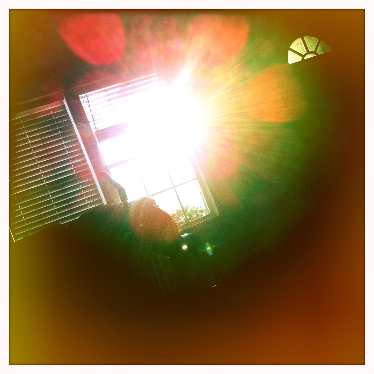 Sunrise through the window 2   John S Lens, Blanko Film, Cherry Shine Flash,