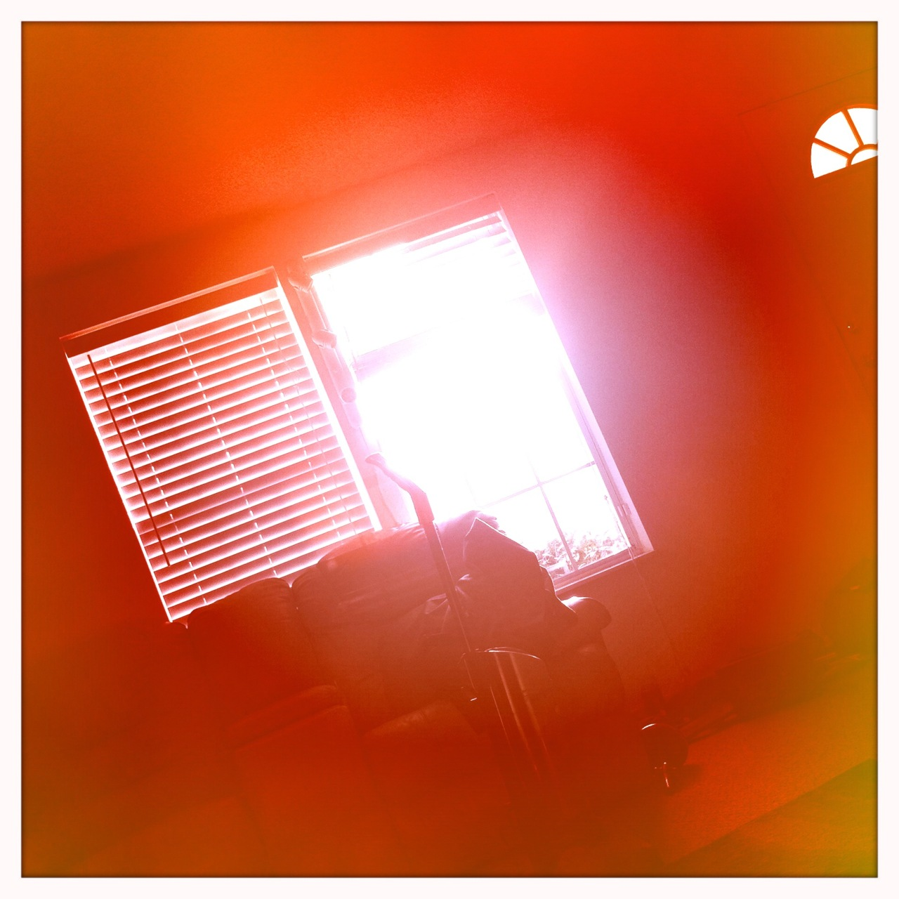 Sunrise through the window 2 Kaimal Mark II Lens, Blanko Film, Cherry Shine Flash,